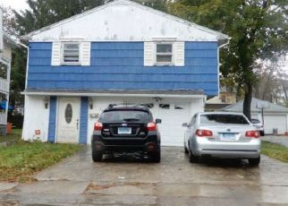 Foreclosed Home in Waterbury 06710 EARL ST - Property ID: 4455444366