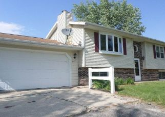 Foreclosed Home in Evansdale 50707 SHIRLEY AVE - Property ID: 4455615618
