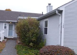Foreclosed Home in Chicopee 01022 COLLINS ST - Property ID: 4455653281