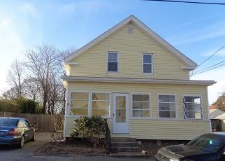Foreclosed Home in East Providence 02914 2ND ST - Property ID: 4455722476
