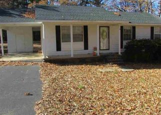 Foreclosed Home in Selmer 38375 S TINA DR - Property ID: 4455771985
