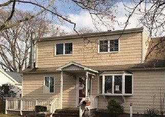 Foreclosed Home in Bayport 11705 BAYVIEW AVE - Property ID: 4455887599