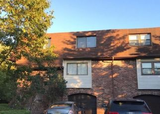 Foreclosed Home in North Brunswick 08902 N OAKS BLVD - Property ID: 4455889792