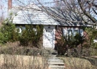 Foreclosed Home in Reading 19607 GREGG AVE - Property ID: 4456003213