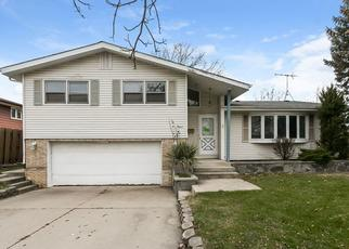 Foreclosed Home in Lansing 60438 BERNADINE ST - Property ID: 4456011997