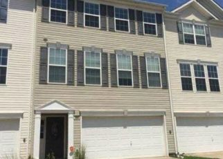 Foreclosed Home in York 17408 GOLDEN EAGLE DR - Property ID: 4456012867