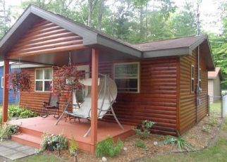 Foreclosed Home in Houghton Lake 48629 GLEN COURT BLVD - Property ID: 4456128937