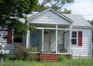Foreclosed Home in Bordentown 08505 WASHINGTON ST - Property ID: 4456171403