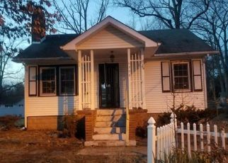 Foreclosed Home in Clinton 20735 WOODLEY RD - Property ID: 4456244549