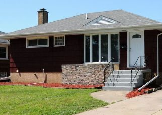 Foreclosed Home in Calumet City 60409 CLYDE AVE - Property ID: 4456332133