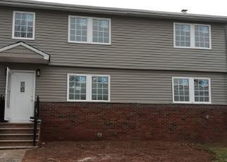 Foreclosed Home in Avenel 07001 MERELINE AVE - Property ID: 4456465280