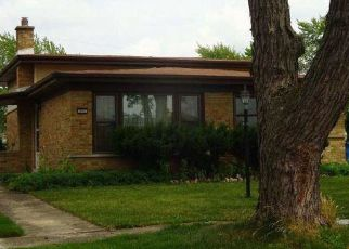 Foreclosed Home in Chicago Heights 60411 S MAYFAIR PL - Property ID: 4456477105