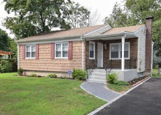 Foreclosed Home in Amityville 11701 EAST ST - Property ID: 4456480620