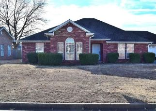 Foreclosed Home in Sallisaw 74955 WINTERPARK DR - Property ID: 4456745594