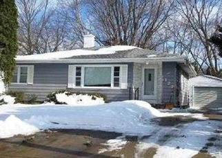 Foreclosed Home in Waterloo 50701 LOBDELL RD - Property ID: 4456756991