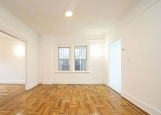 Foreclosed Home in Bronx 10467 E 215TH ST - Property ID: 4457029844