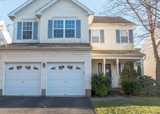 Foreclosed Home in Stewartsville 08886 MARY CIR - Property ID: 4457052608