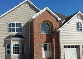 Foreclosed Home in Franklin Park 08823 DELAR PKWY - Property ID: 4457061818