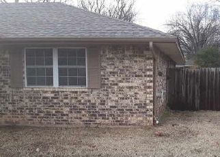 Foreclosed Home in Lawton 73507 NE VILLAGE DR - Property ID: 4457148974