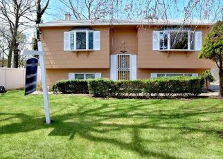 Foreclosed Home in Greenlawn 11740 ROOSEVELT AVE - Property ID: 4457168677