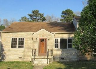 Foreclosed Home in Petersburg 23803 PERDUE AVE - Property ID: 4457256261