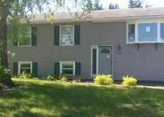 Foreclosed Home in Merrillville 46410 W 74TH LN - Property ID: 4457257135