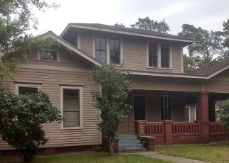 Foreclosed Home in Liberty 77575 TRINITY ST - Property ID: 4457280351