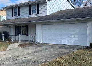 Foreclosed Home in Fort Wayne 46815 OAKHURST DR - Property ID: 4457316262