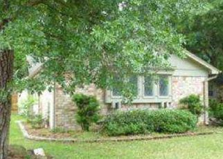 Foreclosed Home in Houston 77070 SPRING LAKE DR - Property ID: 4457323723