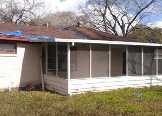 Foreclosed Home in Pasadena 77502 DOROTHY ST - Property ID: 4457347814