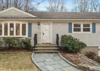 Foreclosed Home in Trumbull 06611 BLUE RIDGE DR - Property ID: 4457445922