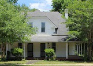 Foreclosed Home in Defuniak Springs 32435 LIVE OAK AVE E - Property ID: 4457483125
