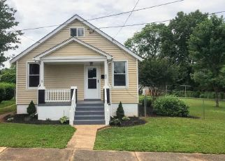 Foreclosed Home in Lynchburg 24501 SMYTH ST - Property ID: 4457500659