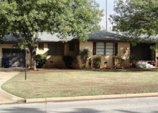Foreclosed Home in Duncan 73533 W ELK AVE - Property ID: 4457519942