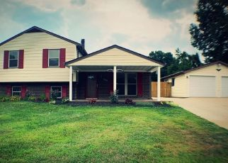 Foreclosed Home in Jeffersonville 47130 CAMELOT CT - Property ID: 4457609270