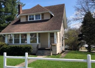 Foreclosed Home in East Rochester 14445 S WASHINGTON ST - Property ID: 4457653509