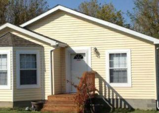 Foreclosed Home in Evansville 47712 CLAREMONT AVE - Property ID: 4457666201