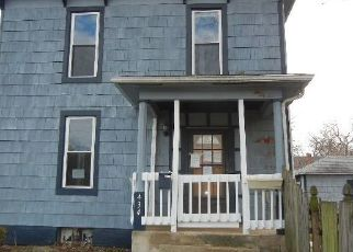 Foreclosed Home in Lincoln 62656 N CHICAGO ST - Property ID: 4457697751
