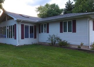Foreclosed Home in Chillicothe 61523 E SILVER LEAF ST - Property ID: 4457702567