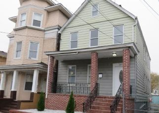Foreclosed Home in Perth Amboy 08861 OAK ST - Property ID: 4457820824