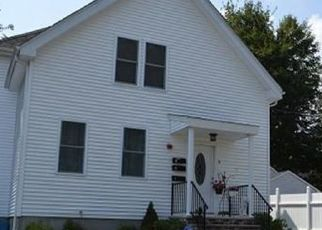 Foreclosed Home in Taunton 02780 BARTON ST - Property ID: 4457864616