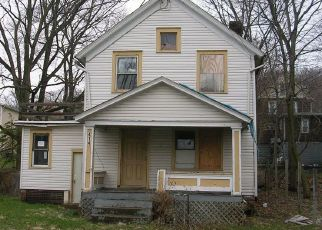 Foreclosed Home in Akron 44307 DOUGLAS ST - Property ID: 4457916287