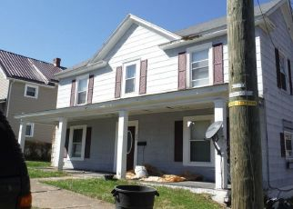 Foreclosed Home in Bluefield 24701 STOWERS ST - Property ID: 4457983747