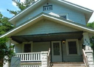 Foreclosed Home in Cedar Rapids 52404 18TH AVE SW - Property ID: 4458242135