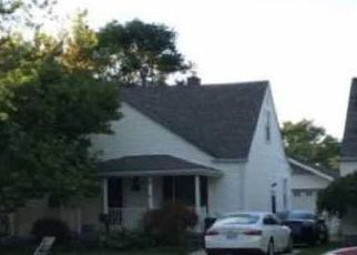 Foreclosed Home in Lincoln Park 48146 BAILEY AVE - Property ID: 4458342438