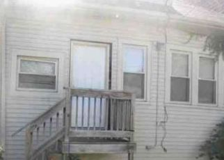 Foreclosed Home in Chicago 60649 S YATES BLVD - Property ID: 4458374412