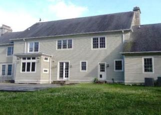 Foreclosed Home in Easton 06612 ABBEY RD - Property ID: 4458422597
