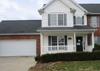 Foreclosed Home in Effingham 62401 BECKMAN DR - Property ID: 4458492672
