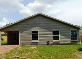 Foreclosed Home in Pensacola 32514 DESERT OAK DR - Property ID: 4458575441