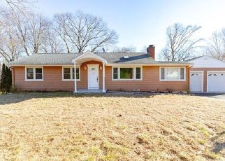 Foreclosed Home in Trumbull 06611 POPLAR ST - Property ID: 4458583321